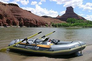 Trusty 21 year old Avon Redshank raft with Northwest River Supplies rowing frame