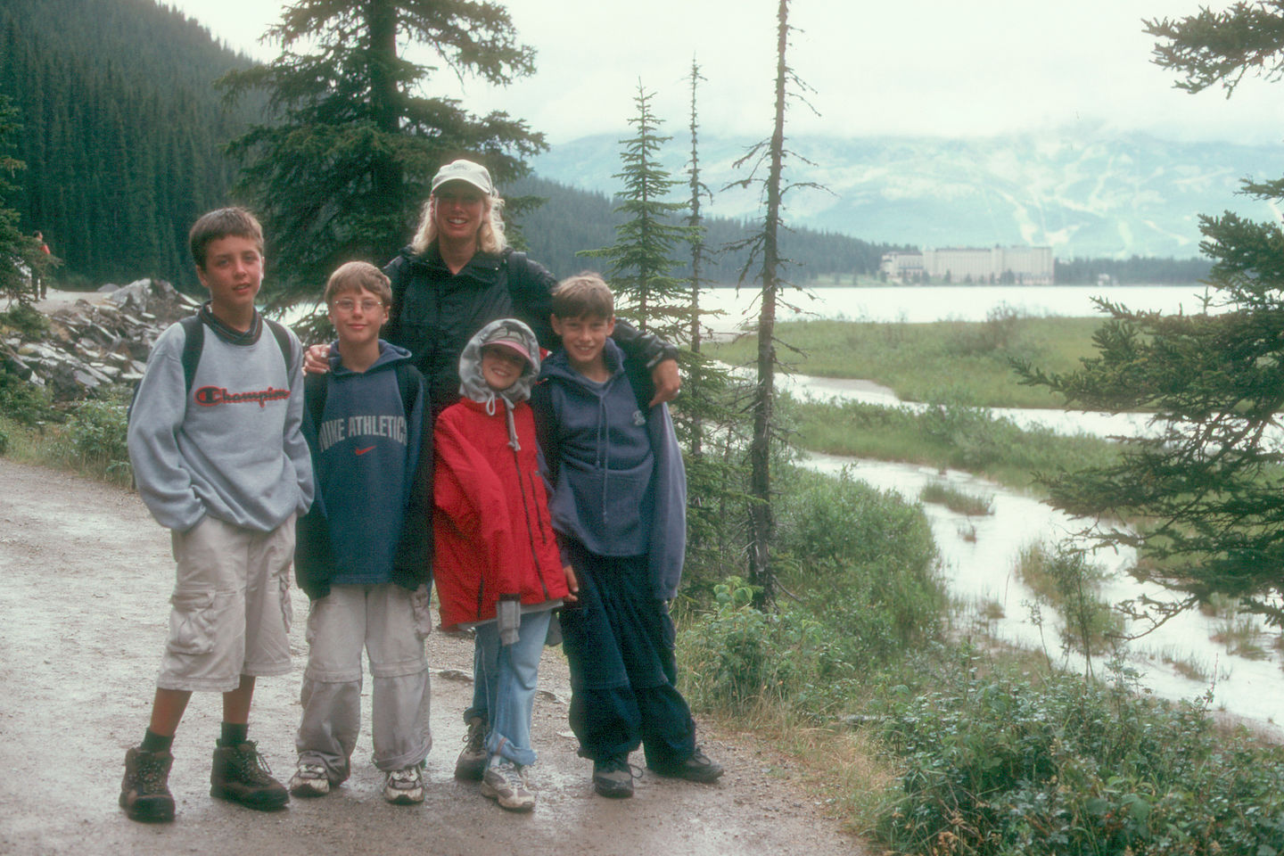 Michelle and kids on Lakeshore Trail