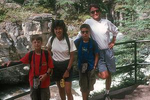 Maligne Canyon hike