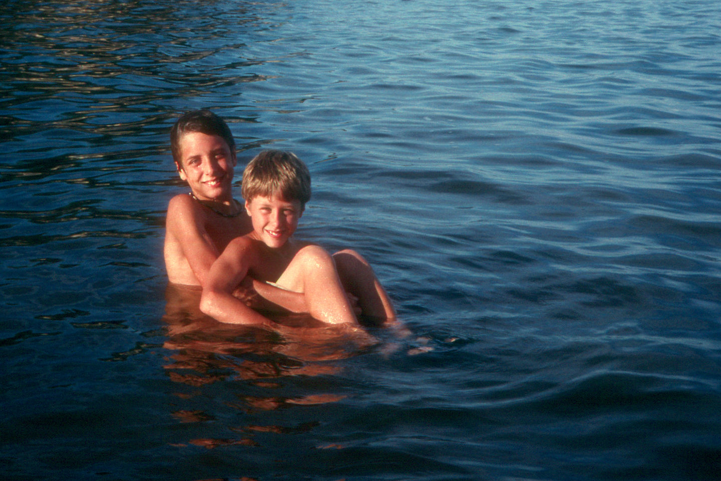 Brotherly love in Lake Colorado