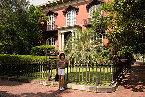 Lolo with Mercer House