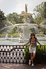 Lolo with Forsyth Park fountain