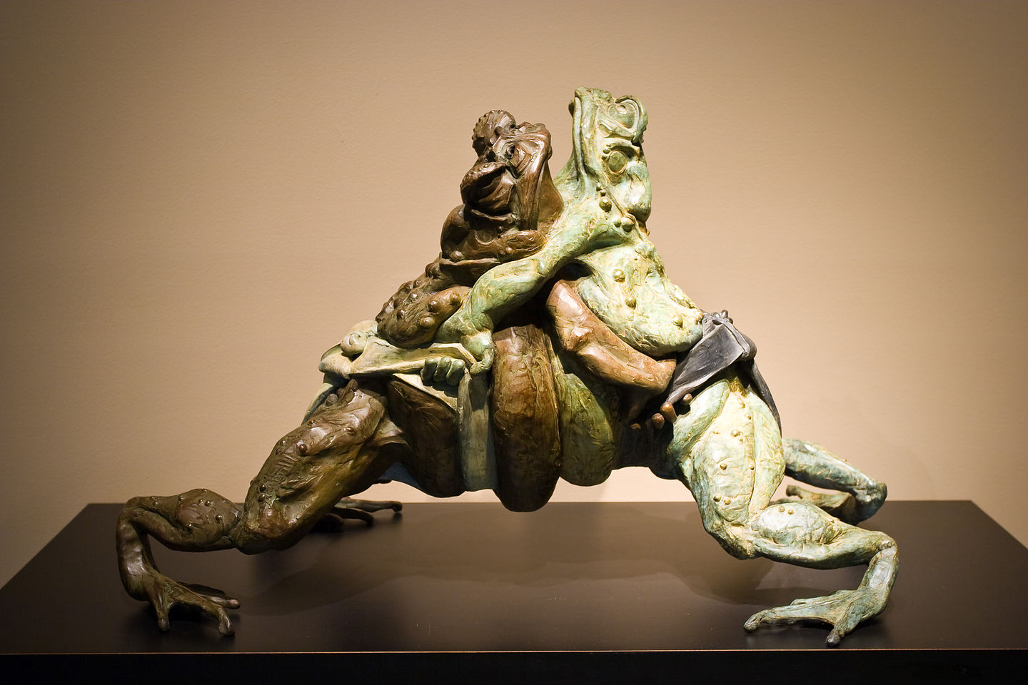 Sumo Frogs Sculpture