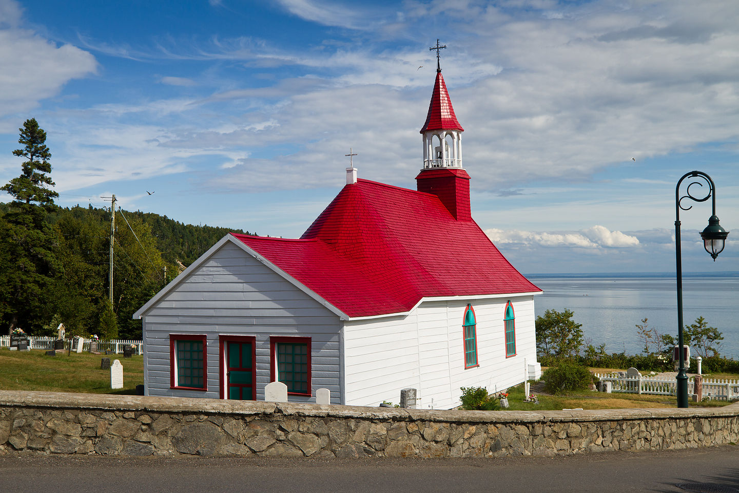 Church in  front of Hotel Tadoussac - TJG
