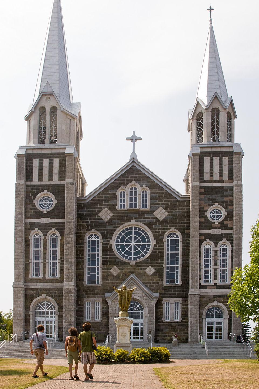 Baie St. Paul Church with Family