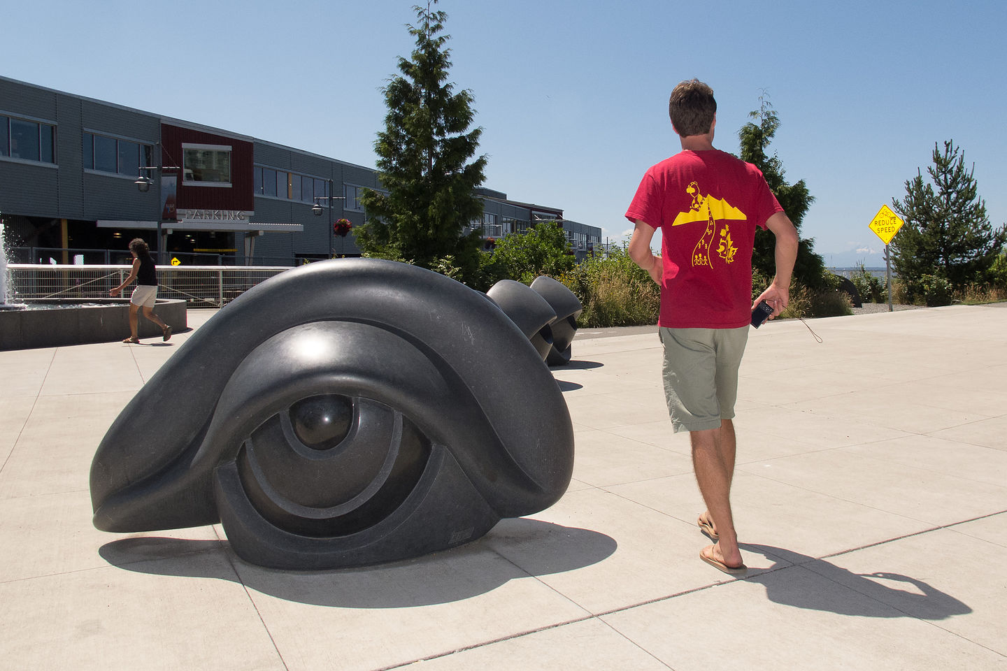 Tom with Louise Bourgeois' Eye Benches