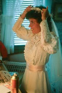Lolo the Bride