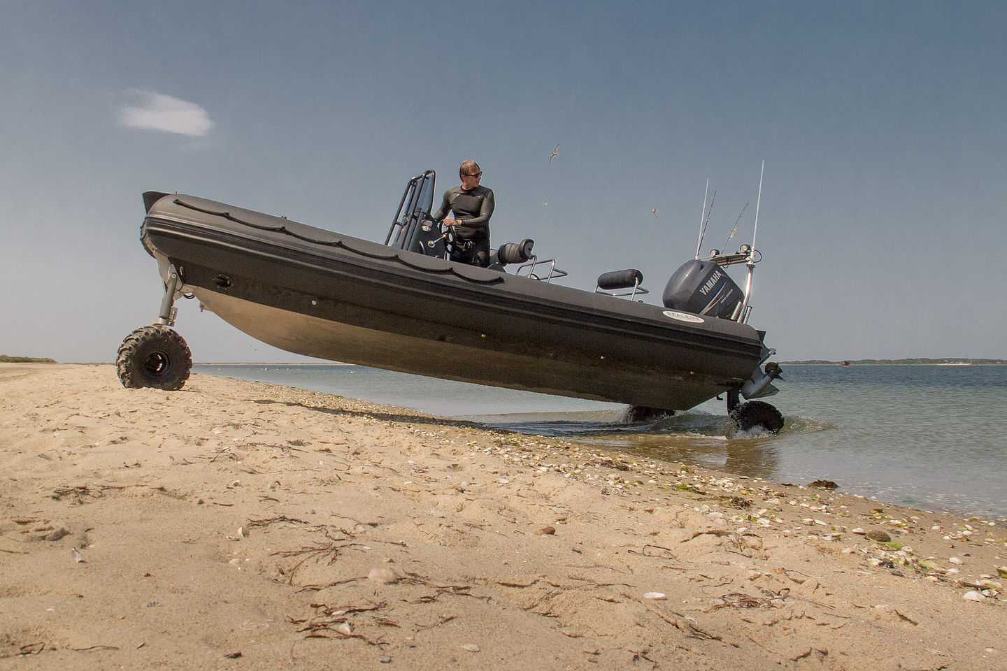 007 Inflatable Amphibious Boat at the Gut