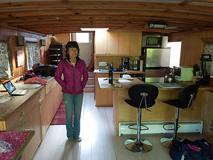 Lolo of the Houseboat
