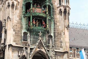 Glockenspiel in the Marienplatz