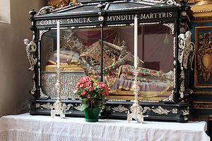 St. Peterskirche - Jeweled skeleton of a female martyr
