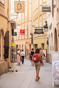 Strolling through the Aldstadt