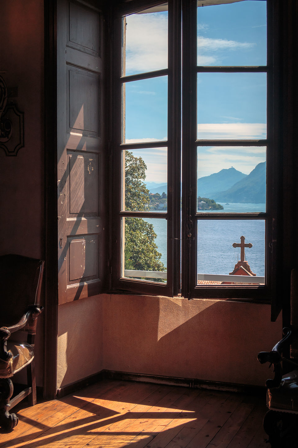 Isola Madre view of chapel from villa