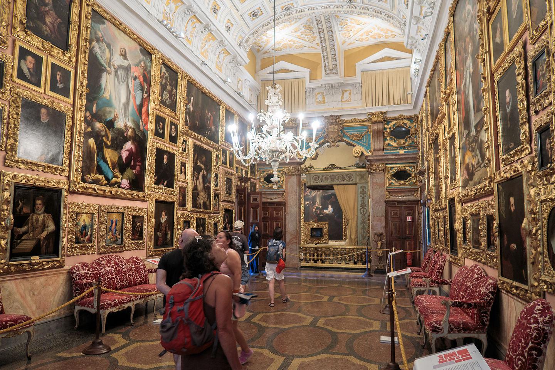 Isola Bella - Inside the Palace
