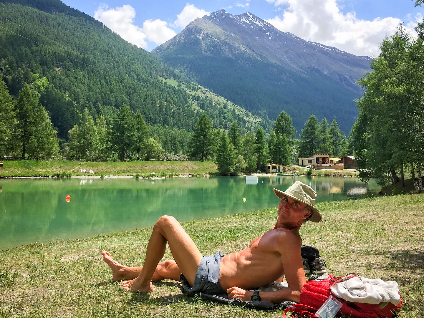 Herb relaxing on tiny Schalisee