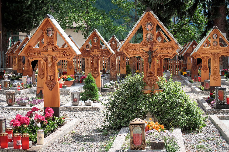 Cemetary Roemisch-katholische Kirche Cemetery