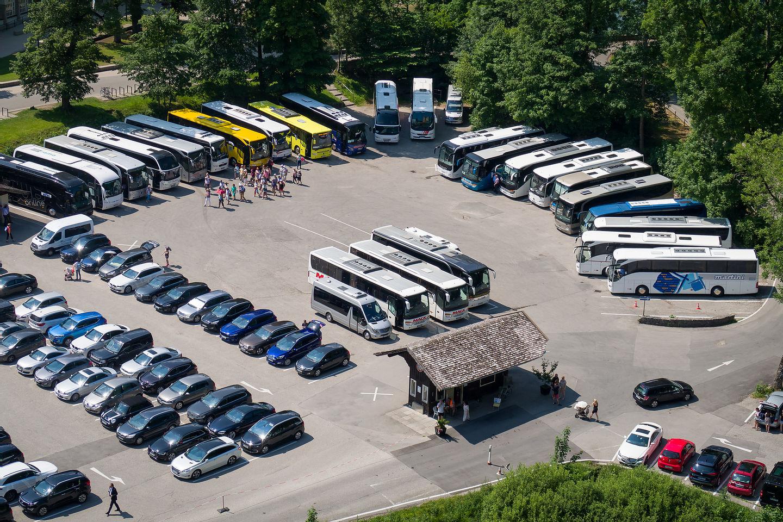 Tour buses circling the wagons