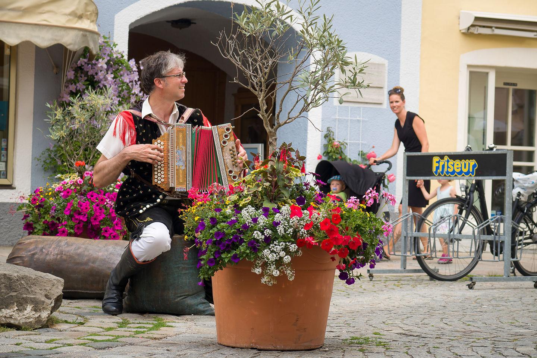 Accordion player in Fussen Altstadt