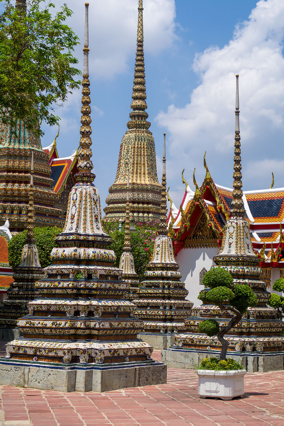 Wat Pho chedis (or stupas) used to house the remains of Buddhist monks or nuns