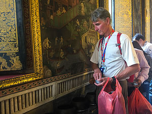 Herb giving alms at Wat Pho
