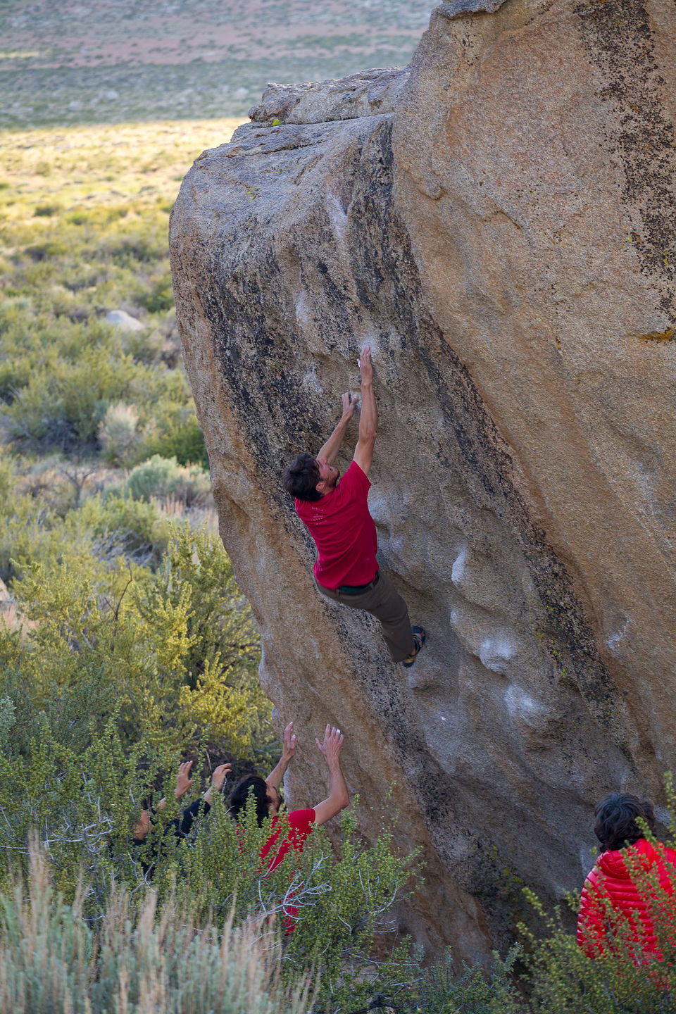 Tommy bouldering in the Buttermilks