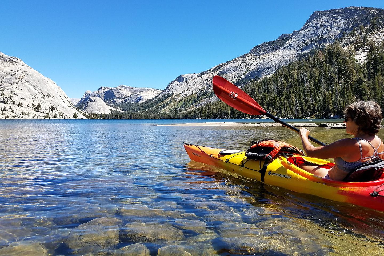 Lolo kayaking on Tenaya Lake