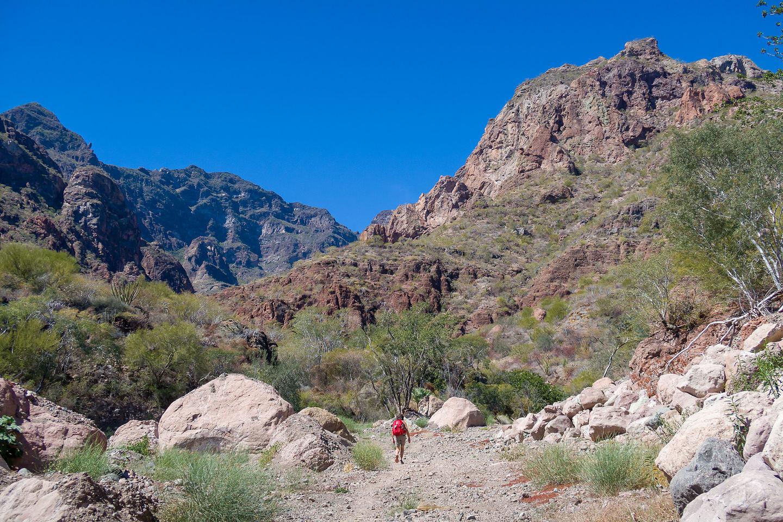 Morning hike into Tabor Canyon