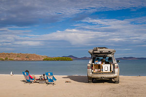 Camping on Playa El Requeson on Bahia Concepcion