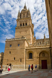 Approaching the Salamanca Cathedral