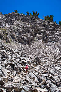 Crossing the scree and rocks on the way to Duck Pass