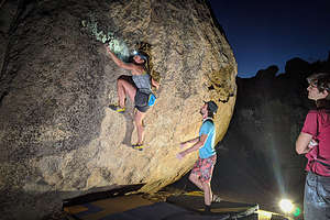 Night time bouldering in the Buttermilks